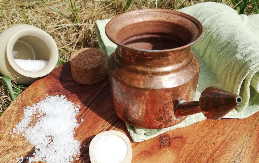 Jala neti : les bienfaits de la Lota sans danger [naturopathie]