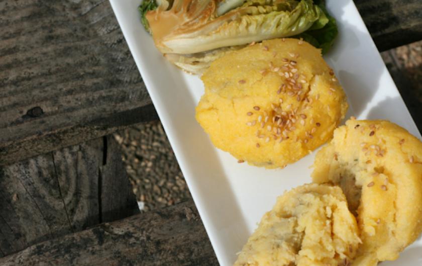 Boules de polenta au cœur pois chiches artichauts [vegan / sans gluten]
